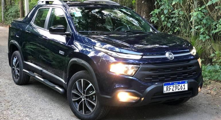 A ideia é esta: conquistar os compradores de Crossovers com um produto que ela não tem e ainda com a vantagem do motor diesel e tração 4x4.