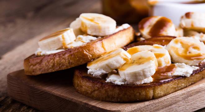 Torrada de banana com queijo