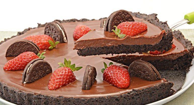 Torta de Oreo® com chocolate e morango
