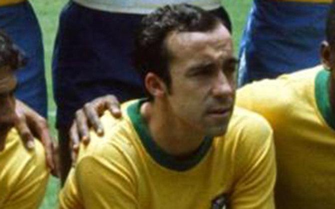 Tostão é mais um tricampeão do mundo que está na Calçada da Fama do Maracanã. É um dos maiores ídolos da história do Cruzeiro e passou brevemente pelo Vasco.