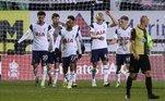 O Tottenham seguiu os outros dois grandes ingleses e também passou facilmente pelo seu adversário na FA Cup. Com três gols do brasileiro Carlos Vinicius, um de Lucas Moura e um de Alfie Devine, o time londrino venceu o Marine, modesto time da oitava divisão inglesa, pelo placar de 5 a 0