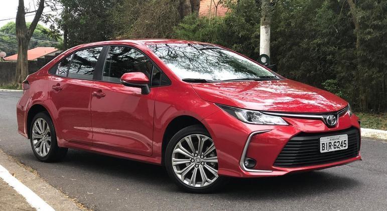 Toyota Corolla XEi 2.0 Flex CVT-10 sai por R$ 135.290