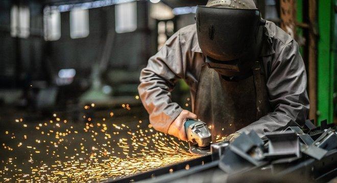 Mudanças nas fábricas inauguraram transformações no mercado de trabalho em 1970