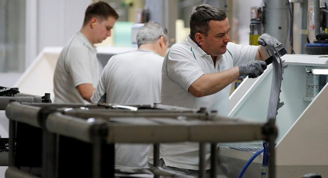 Alta dos juros nos EUA ajuda a controlar a inflação, mas também afeta o crescimento da economia