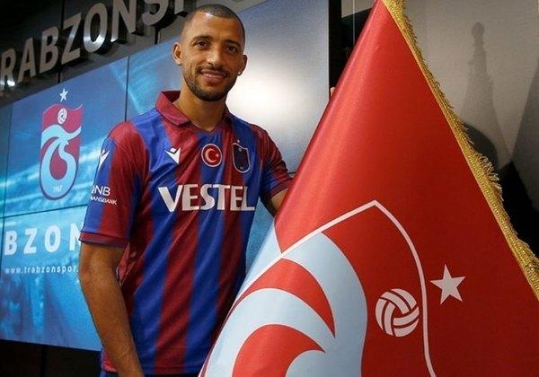 Trabzonspor Kulübü, da Túrquia, é o atual time do zagueiro Vitor Hugo.