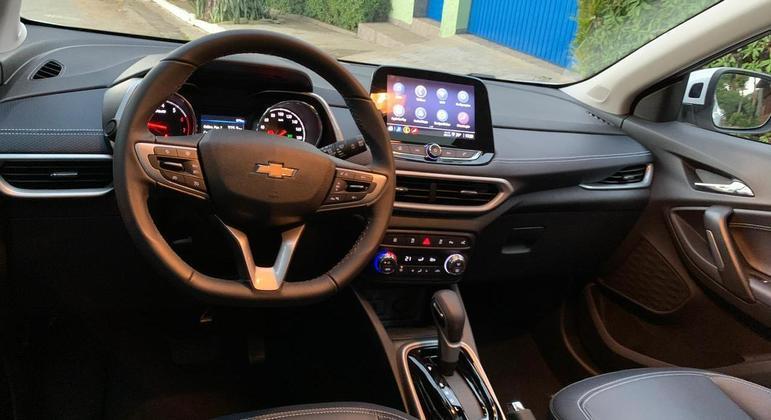 SUV chega equipada com Wi-fi a bordo e carregador por indução