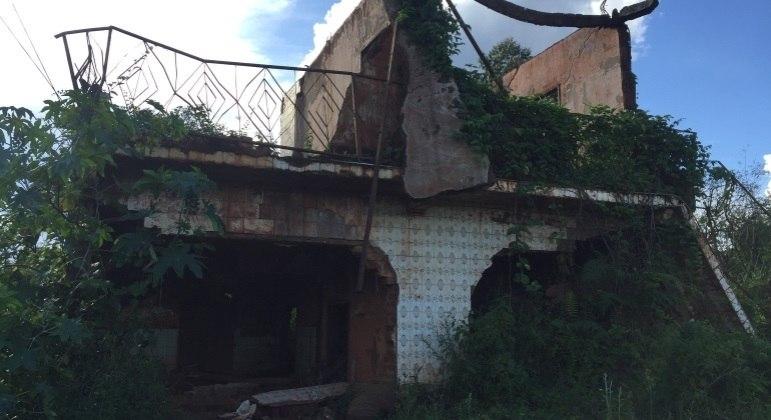 As imagens da destruição provocada pela lama impressionam e ainda fazem parte da rotina dos moradores