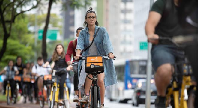 7.725 bicicletas passaram pela ciclovia da Faria Lima nesta segunda-feira (26)