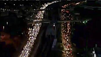 __Apagão desliga semáforo e leva colapso ao trânsito de Salvador__ (Reprodução)