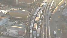 Protesto de motoristas de ônibus bloqueia terminais em São Paulo