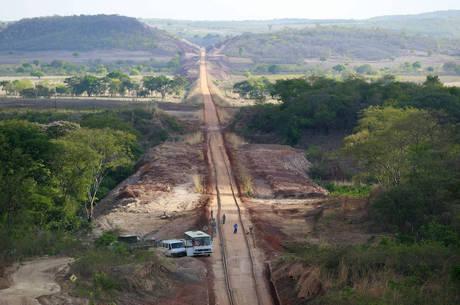 Ferrovia já custou mais de R$ 11 bilhões aos cofres públicos