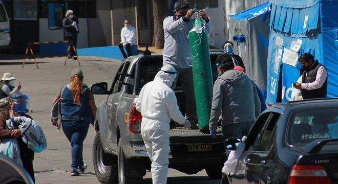 Um dos problemas apontados por médicos é a falta de oxigênio nos hospitais no Peru