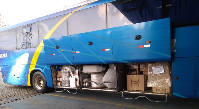 Empresa faz transporte gratuito de doações para contribuir com quem precisa durante a pandemia de covid-19
