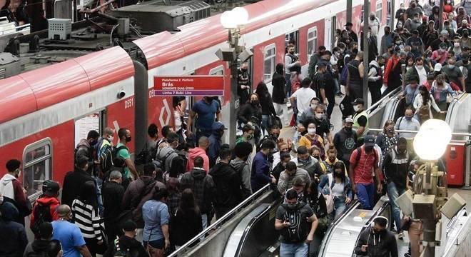 Metrô (foto), ônibus e trem devem ter as tarifas reajustadas em 2021