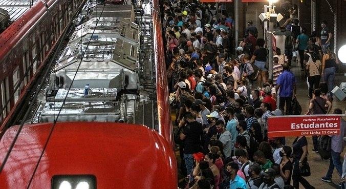 Na Estação da Luz, centro de São Paulo, os registros de aglomerações são diários