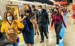 A idade é similar à identificada por uma pesquisa realizada pela CPTM com seus passageiros em novembro de 2020, com 51,9% dos usuários nesta faixa. Pessoas com 35 a 54 anos formam mais 37,3% dos passageiros da companhia paulista, que não disponibiliza dados de renda