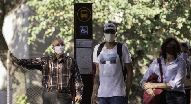 A partir de quinta será obrigatório uso de máscaras em locais públicos de SP