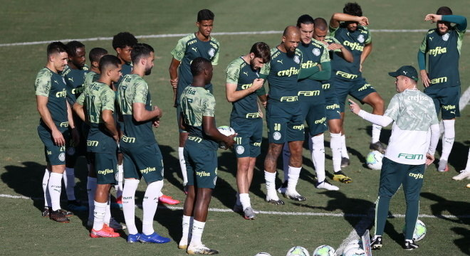 Treinador Interino, Andrey Lopes cobra entrega do grupo, dentro de campo