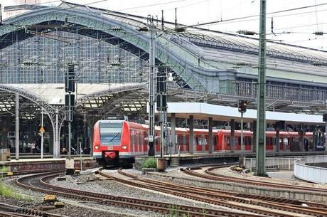 Bomba foi localizada por um funcionário da empresa de trens