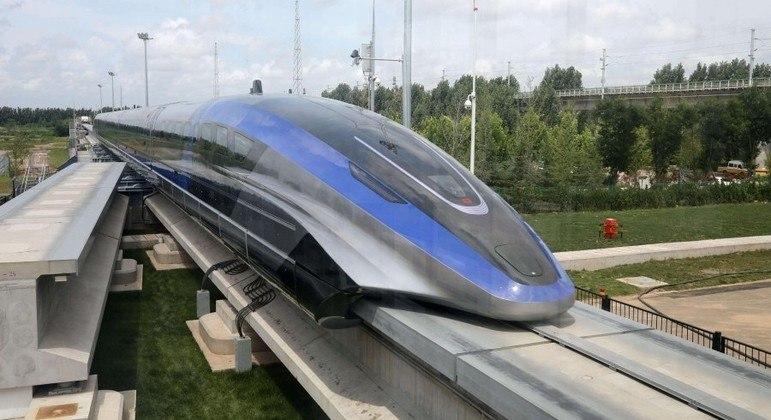 Trem pode ir de Pequim a Xangai em apenas uma hora