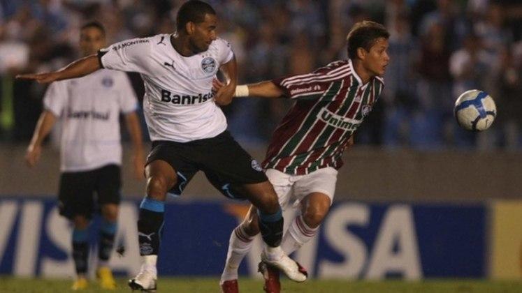 Três anos antes, a equipe que se consagraria campeã brasileira no final do ano de 2010 foi eliminada pelo Grêmio na Copa do Brasil. Com duas derrotas, o time caiu nas quartas de finais para a equipe gaúcha.