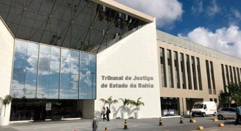 MPF denuncia desembargadora, filhos e advogados na Bahia por organização criminosa