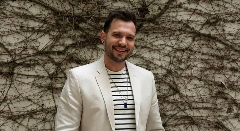 Bruno Araujo, cantor Sertanejo, participa do programa de estreia da segunda temporada do Trilha de Sexta