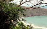 Apesar do perigo, a trilha da Lagoinha do Leste, tambémem Santa Catarina, leva a um cenário paradisíaco, com uma bela vista no altodos cerca de 200 metros de altura, da praia deserta.Mas é um local sem socorro ou qualquer tipo de assistência. Portanto, uma imprevisto por aqui pode ser fatal