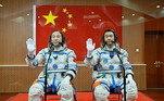 Comeste voo, a China se tornou o terceiro país, depois de União Soviética eEstados Unidos a enviar um humano ao espaço por meios próprios. Desde então, realizaregularmente missões espaciais tripuladas— a última delas se deu em 2016, quandoChenDong e Jing Haipeng foram enviados pela espaçonave Shenzhou-11 ao móduloTiangong-2