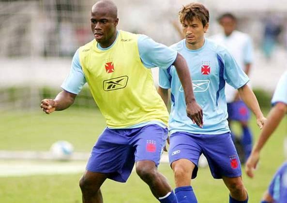 Trombador, colombiano Martin García foi contratado para ser opção de ataque no Vasco. Deixou poucos gols como lembrança nos três meses que ficou.