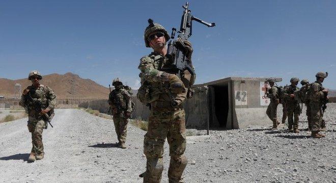 Os Estados Unidos ainda mantêm 12 mil soldados no Afeganistão