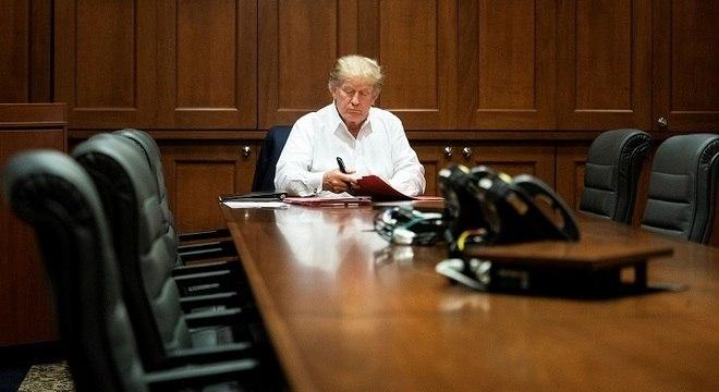 Trump enquanto trabalhava no Centro Médico Militar Nacional Walter Reed