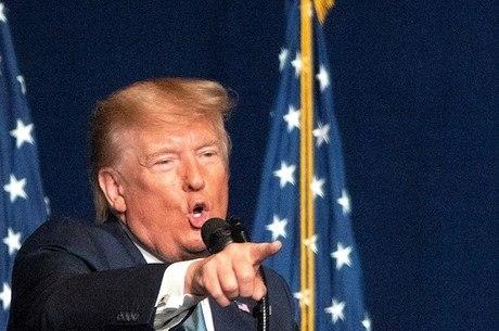 Trump diz que EUA estão de olho no governo do Irã