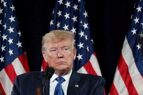 Trump chama imigrantes de 'criminosos'