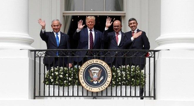 Netanyahu, Trump, Al Zayini e Al Nahyan participaram de cerimônia na Casa Branca