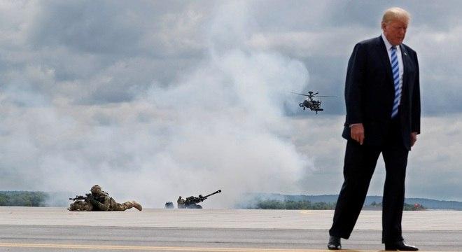 Trump participa de exercício militar: presidente chamou imprensa de 'inimigo do povo'