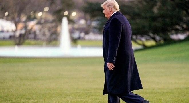 Trump sai em viagem de campanha: reeleição na berlinda após impeachment