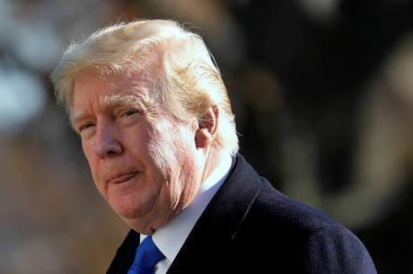 Trump arrecada R$ 1 bilhão para pagar ações