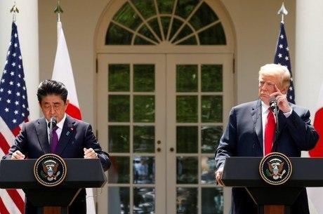 Trump em coletiva com o primeiro-ministro do Japão