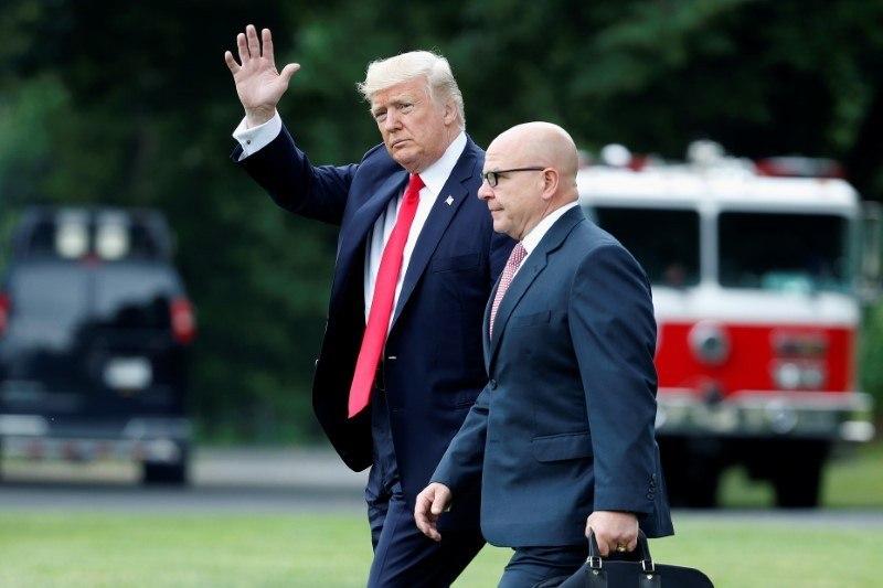 Trump terá decidido cessar as funções do seu Conselheiro de Segurança Nacional