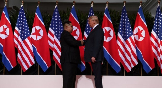 O aperto de mão histórico de Kim Jong-un e Donald Trump