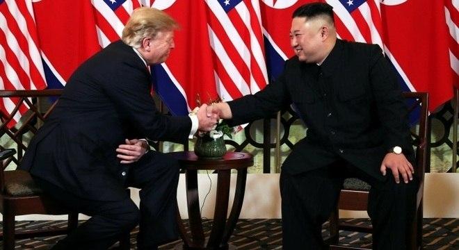 Trump e Kim, durante o segundo encontro realizado entre os dois em Cingapura