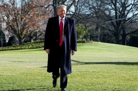 Trump diz querer incentivar 'pessoas talentosas' nos EUA