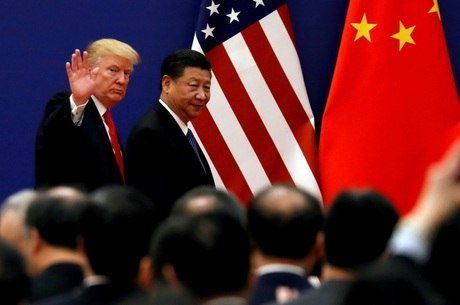 Trump anuncia imposição de sobretaxas na China