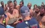 'Eu só queria jogar vôlei', brincou o banhista com o tubarão no coloLeia mais!'Cobra com 1,21 m' de comprimento é removida da garganta de paciente