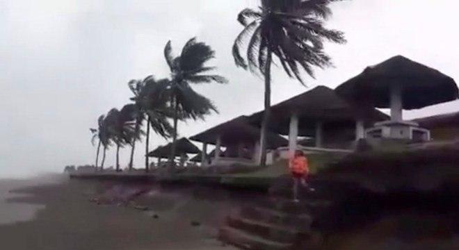 Ventos fortes atingiram a ilha de Luzon, no norte das Filipinas