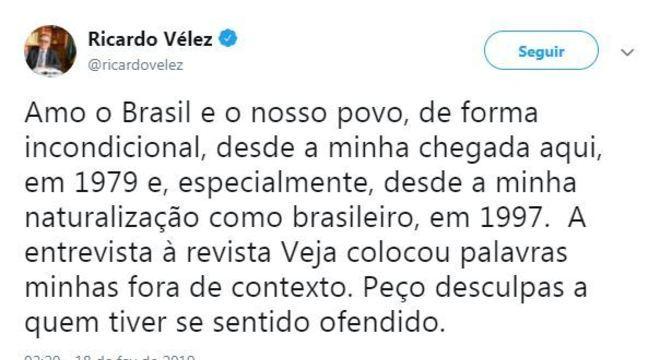 Tuíte de Vélez declara amor ao Brasil e faz pedido de desculpas