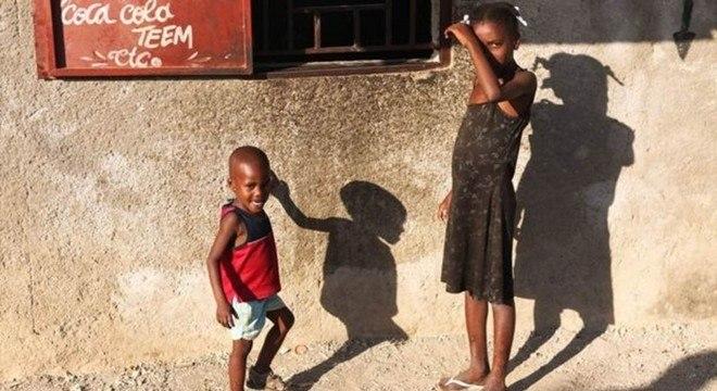 A instituição de caridade Lumos, criada por J. K. Rowling, trabalha com crianças no Haiti