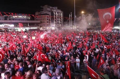 Manifestações contra o golpe fracassado em 2016