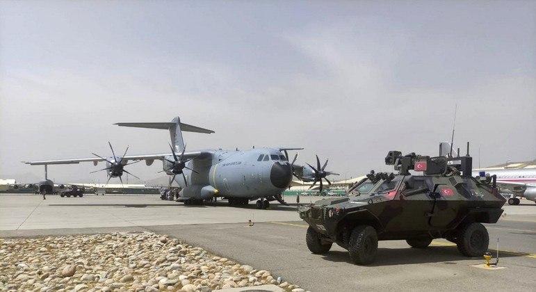 Turquia pode assumir a administração do aeroporto de Cabul se entrar em acordo com o Talibã